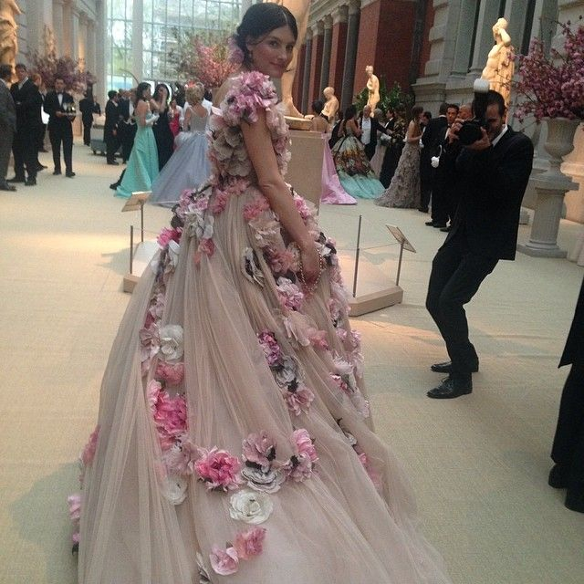45 best Dolce & Gabbana Floral Couture I images on Pinterest | Dolce ...