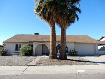 Amazing Foreclosure with 3 bedrooms and a pool
