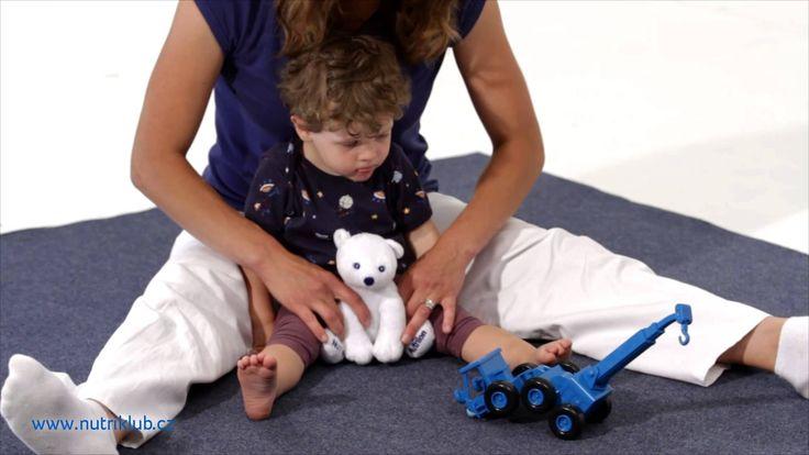 Cvičení s dětmi - 4. cvičení: SED PROSTÝ