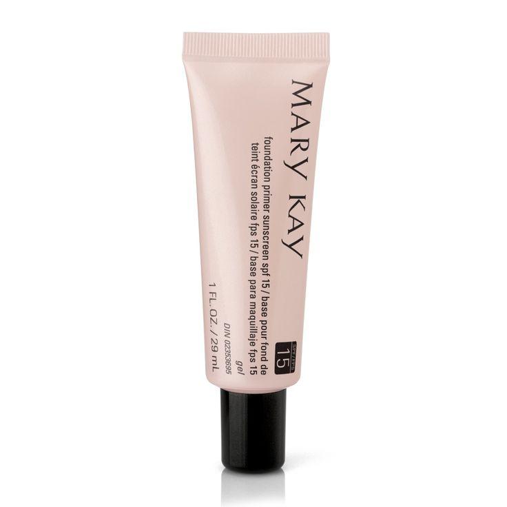 En felfri look startar med en mjuk och jämn grund. När du applicerar en foundation primer under din foundation gör du huden len och jämn, och din foundation extra hållbar. Med solskyddsfaktor 15 får du även ett säkert skydd mot solens skadliga UVA-/UVB-strålar.  •Ger en perfekt grund för din foundation •Gör makeupen mer hållbar •Reducerar intrycket av fina linjer, rynkor och porer •Skyddar från solens skadliga UV-strålar •Passar alla hudtyper