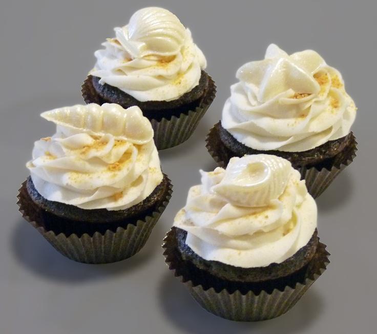 Beach cupcakes - white chocolate shell molds
