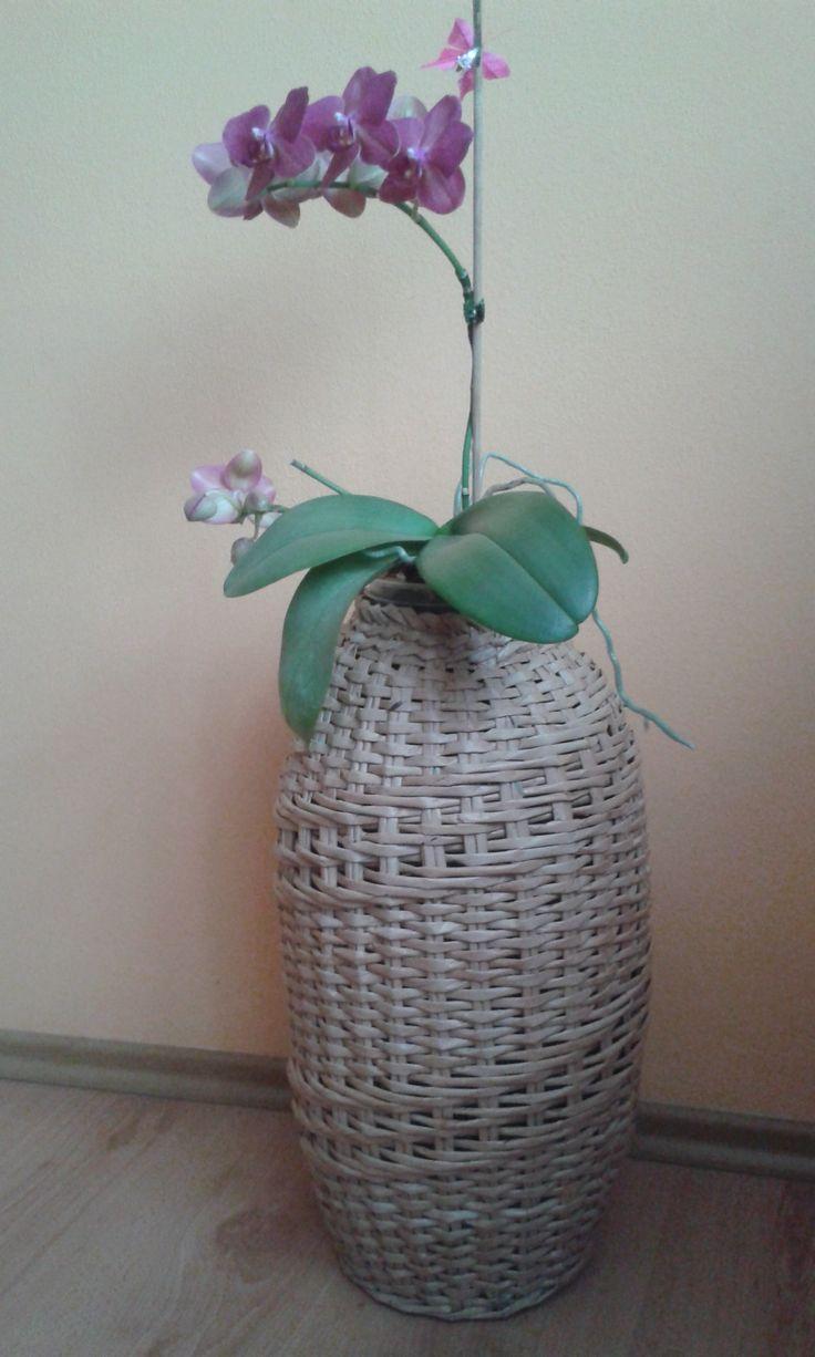 Váza z papíru