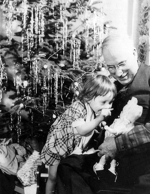 850 best 1950's Christmas images on Pinterest   Vintage christmas ...