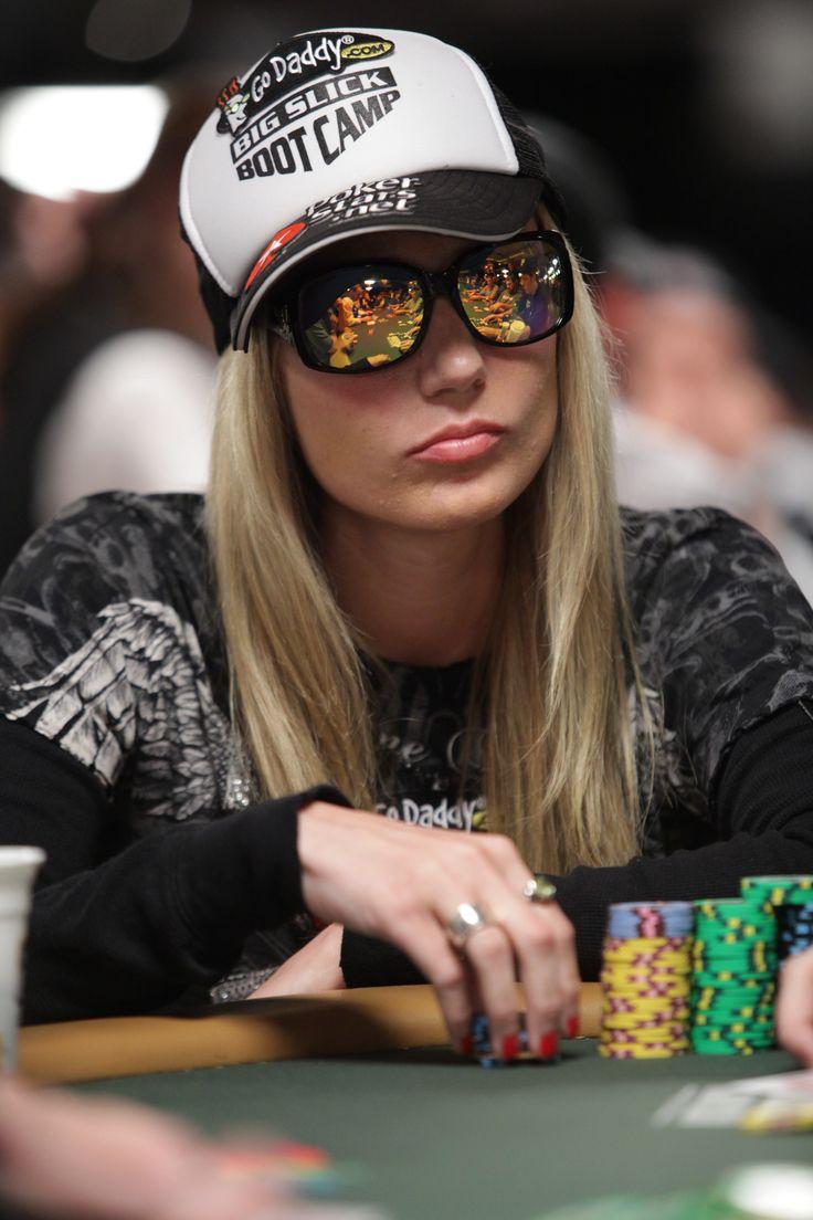 Vanessa poker champ