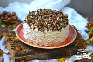 Tort cu alune de padure, migdale si nuci caramelizate - Culinar.ro