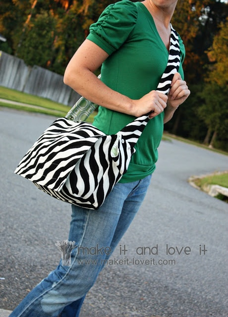 2 in 1 bag stroller bag into a messenger bag make it and love it messenger bag tutorials. Black Bedroom Furniture Sets. Home Design Ideas