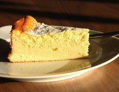 Käsekuchen mit Quark und Schmand - so werden Sie besonders zart. Probieren Sie die folgenden Rezepte: Käsekuchen mit Schmand und schnelle...