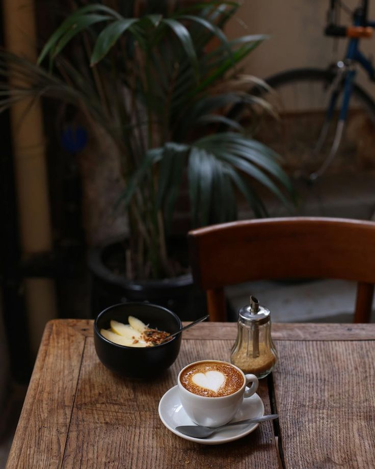 Fanny sur Instagram: Coffee please ☕️ @passager_cafe #morning #coffeelovers #coffeeshop #coffeePlease #breakfast #paris • Instagram
