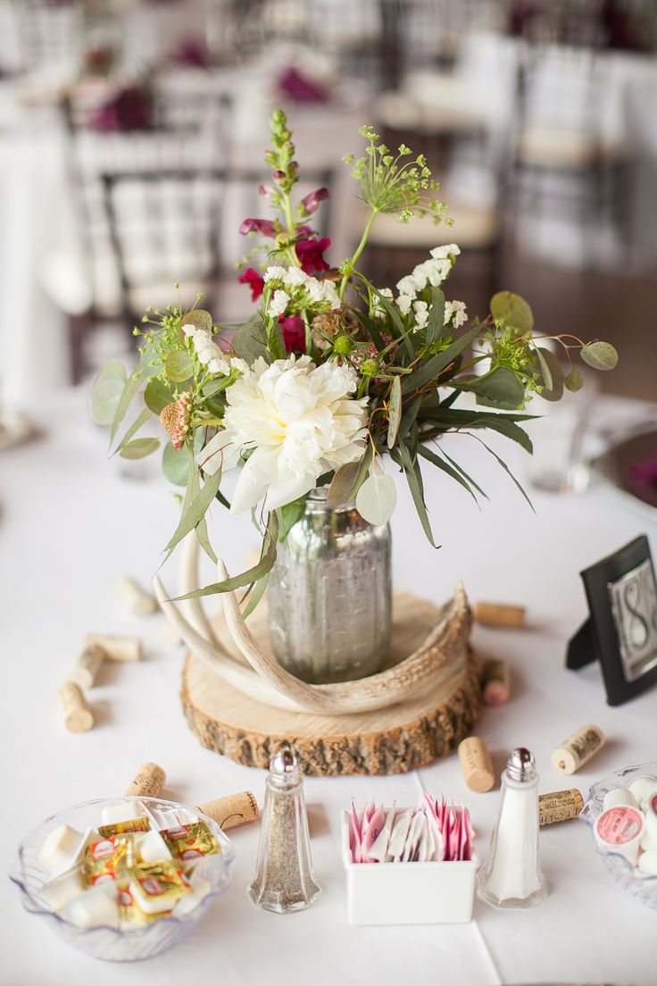 wedding flowers table decorations 25 best ideas about antler centerpiece on 9649