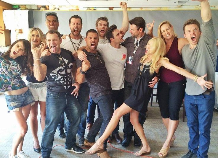 Thank you all for visiting us at Rebels SpartaCon — with Gwendoline Taylor, Anna Hutchison, Anatonio Te-Maioha, Barry Duffield, Dan Feuerriegel, Manu Bennett, Liam McIntyre, Dustin Clare, Stephen Dunlevy, Vanessa Cater and Todd Lasance.