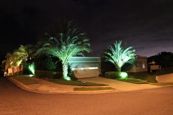 Iluminaci n de jard n por greenscapes - Iluminacion de jardines ...