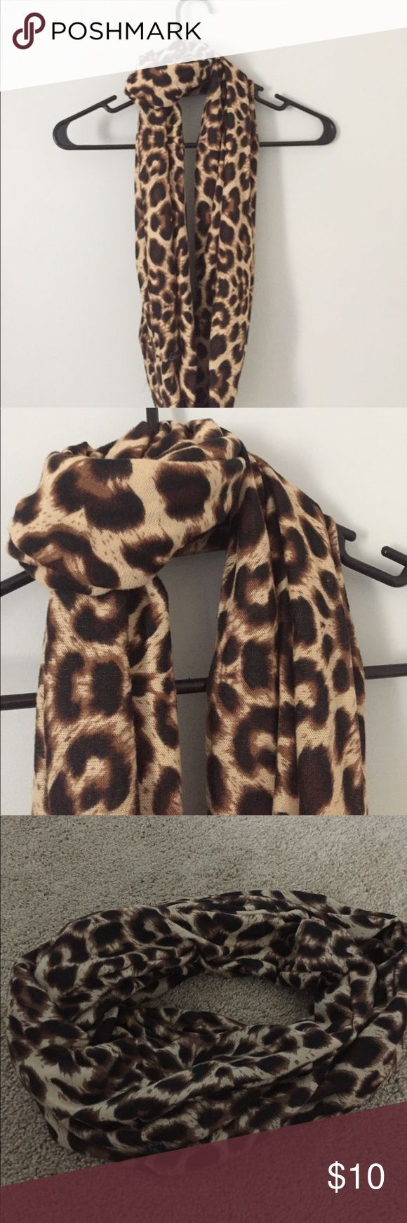 Infinity Cheetah Scarf Infinity Scarf. Cheetah Print. NWOT. Super cute Accessories Scarves & Wraps