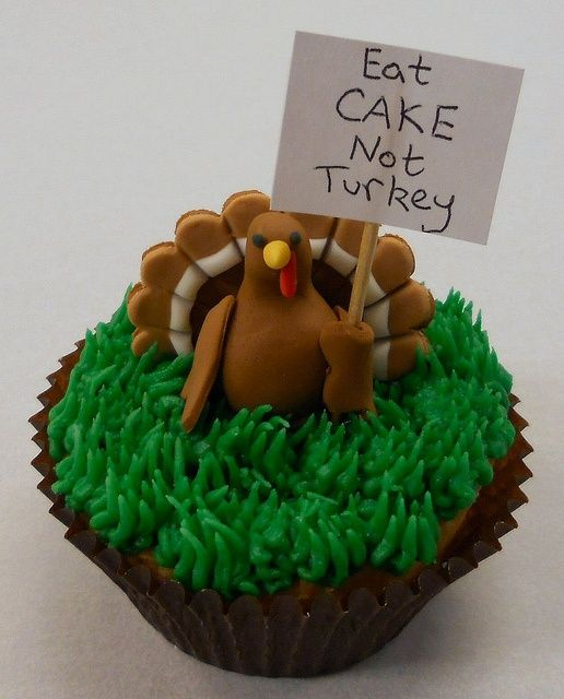 Turkey Protesting Thanksgiving Cupcake! by Edible Delights, via Flickr   ...can make turkey out of chocolate? or at least the tail - in candy melts of various colors!