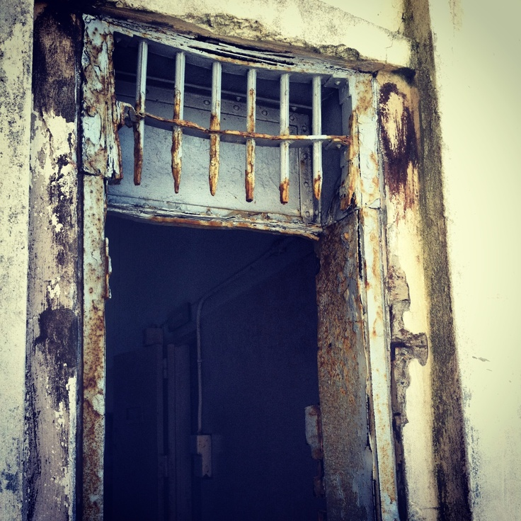 Alcatraz door- rec door