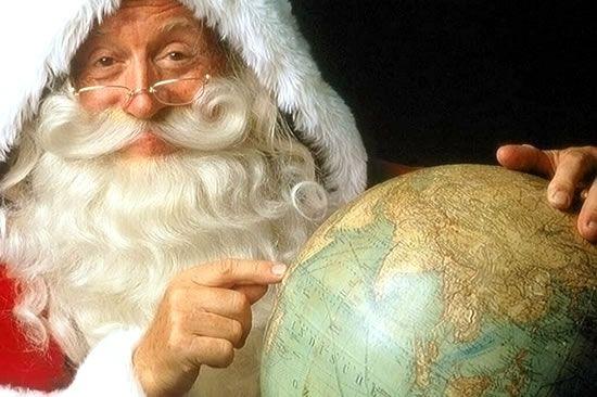 """Mira cómo seguir esta noche a Papá Noel a través de los mapas de Google o desde tu teléfono móvil. Entre en la web del pueblo de """"Santa"""" y descubre los minijuegos que hay"""