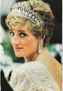 lady diRoyal Families, Princesses Diana, People Princesses, Lady Di, Princessdiana, Wales, Pearls Earrings, Princess Diana, Queens Of Heart