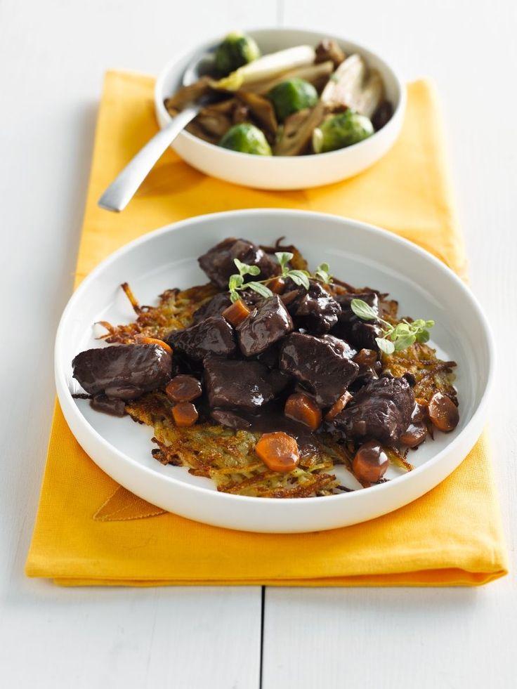 """Het lekkerste recept voor """"Reebokstoofpotje met portwijn"""" vind je bij njam! Ontdek nu meer dan duizenden smakelijke njam!-recepten voor alledaags kookplezier!"""