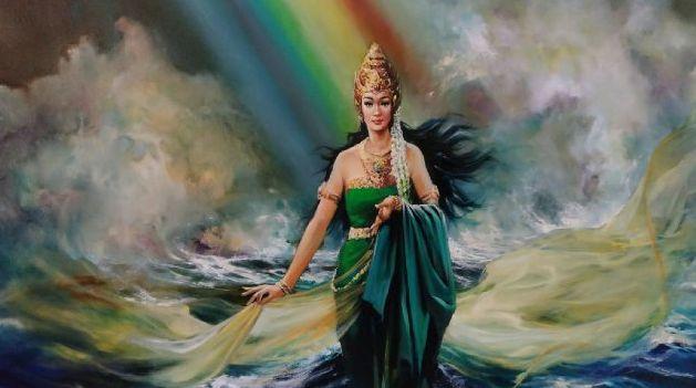 """Nyi Roro Kidul adalah sosok roh atau dewi legendaris Indonesia yang lebih dikenal sebagai """"Ratu Laut Selatan"""" (Samudra Hindia)."""