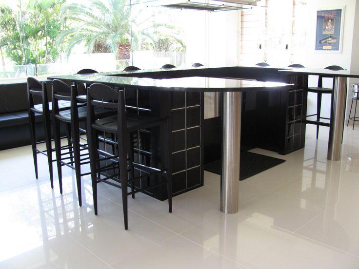 A Teppanyaki Bar created out of Black glass blocks