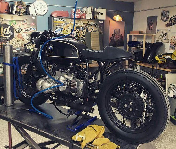 BMW custom cafe racer (by CRD)