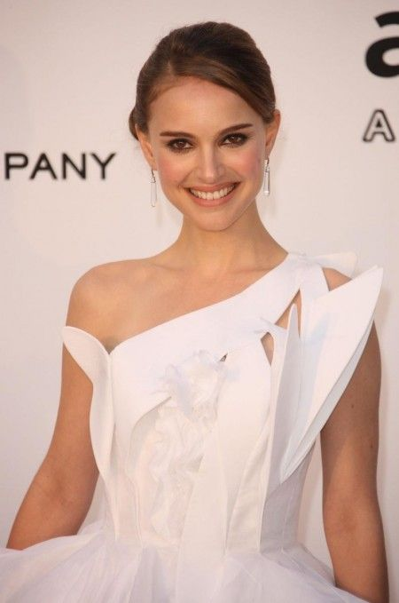 "Natalie Portman. Known for playing ""Molly Mahoney"" (""Mr. Magorium's Wonder Emporium"") and ""Nina Sayers"" (""Black Swan""). I love how she is still sane even if she has been acting since she was a young girl. That, unfortunately, barely happens. She also finished her education (at Harvard!) despite being an actress and is in a happy marriage."
