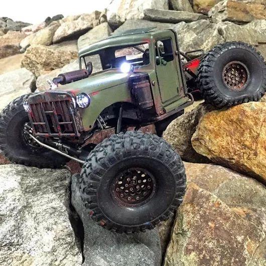 R/C rock crawler