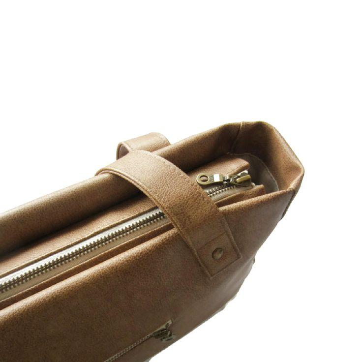 Love handmade details! Shoulderbag camel #SS17 perfect PU leatherlook handmade in the Netherlands by Jolanda