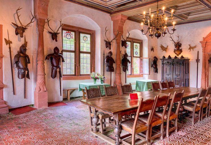 Schloss Mespelbrunn - Mespelbrunn Castle - Rittersaal - Knight - esszimmer ansbach
