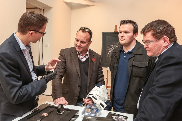 URWERK constructor Cyrano Devanthey explaining EMC to visitors at SalonQP in London http://www.salonqp.com/ http://www.urwerk.com/en/collection-n-a-c4-p13.php