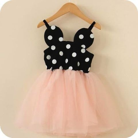 This listing included all 3 pieces! Save by ordering all three! Fits true to size. You will love this Minnie Mouse dress for toddler girls, toddler minnie shoes and matching headband! Perfect for those special family vacations and birthday parties!