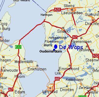 """Camping """"De Waps"""" is gelegen midden in de bossen van Gaasterland, in natuurgebied van Staatsbosbeheer, op 500 meter afstand van het pittoreske brinkdorp """"Oudemirdum"""" Plaatsen als Workum, Hindeloopen, Stavoren en Sloten zijn reeds in geheel Nederland bekend als een waardevol cultureel uitstapje. Familiedouche (twee douchekoppen) en Invalide Sanitair"""