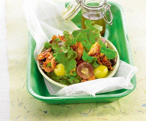 En entrée, nous vous conseillons une salade au poulet tandoori et raisins. Bon appétit !