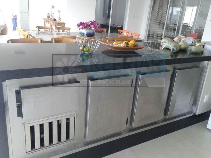 Adicione requinte e sofisticação a seu espaço gourmet instalando um balcão refrigerado fabricado sob medida. Contato - refriar.araraquara@gmail.com
