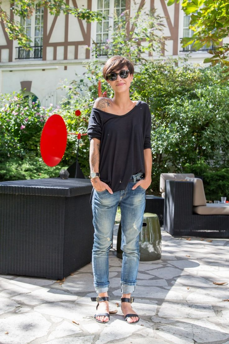 Coline, Hotel Jardin de Neuilly with a brown Ray Ban sunglasses.  #RayBan #sunglasses #inkedgirl (found & photo by: thetattoorialist.com )