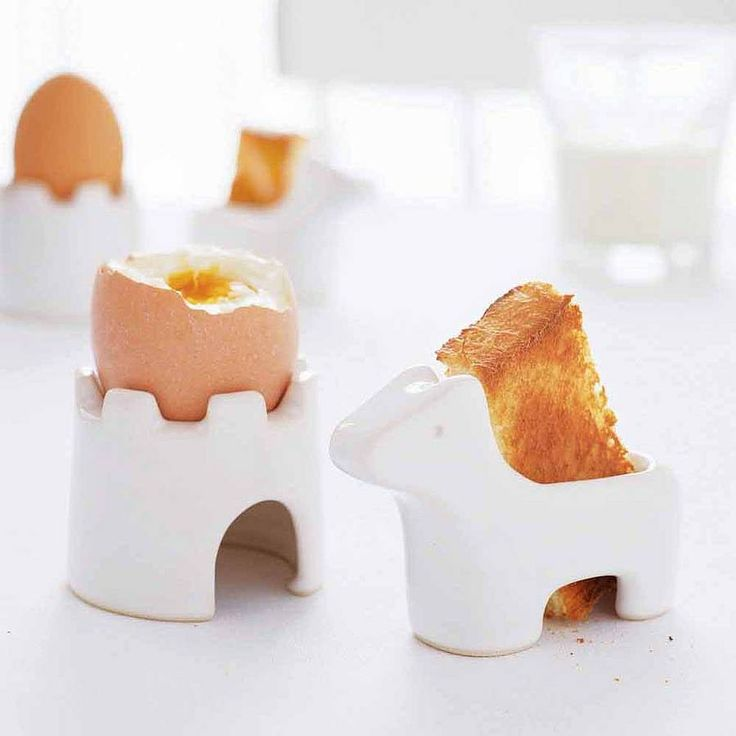 Egg And Soldiers Breakfast Set  by Takae Mizutani and sons. I want these! Dippy egg and soldiers is such a comfort food :): Eggs, Stuff, Boiled Egg, Egg Cups, Products, Breakfastset, Kid