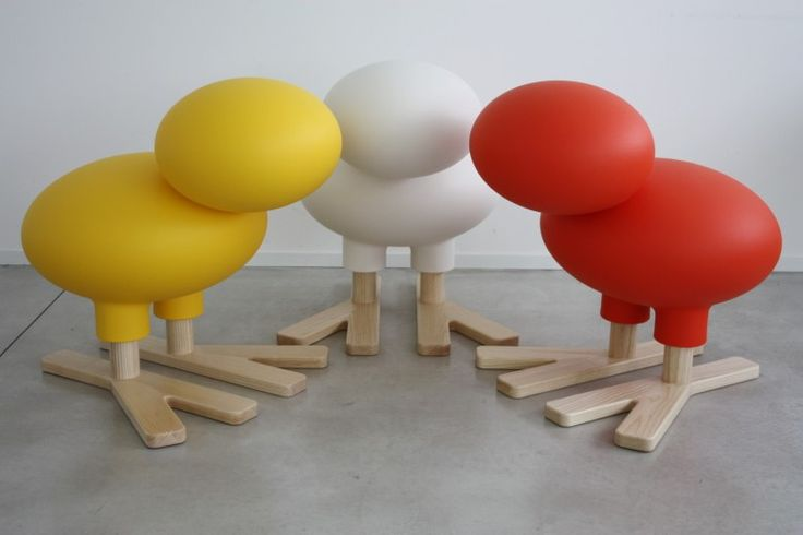 Abstract bird  Material: rotational-moulded polyethylene. Paws in natural solid ash.