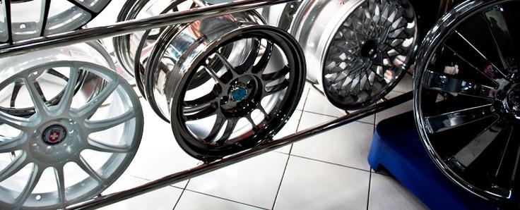 RIM/paduan roda mobil adalah seperti sepatu untuk kaki manusia, yang berfungsi sebagai dukungan terhadap permukaan pesawat. Ukuran yang salah dapat menyebabkan ketidaknyamanan berjalan. suspensi mobil Untuk alasan itu, jika Anda telah membuat keputusan untuk mengganti rims standar Anda dengan aftermarket yang, tidak mudah terkesan oleh desain tertentu. '