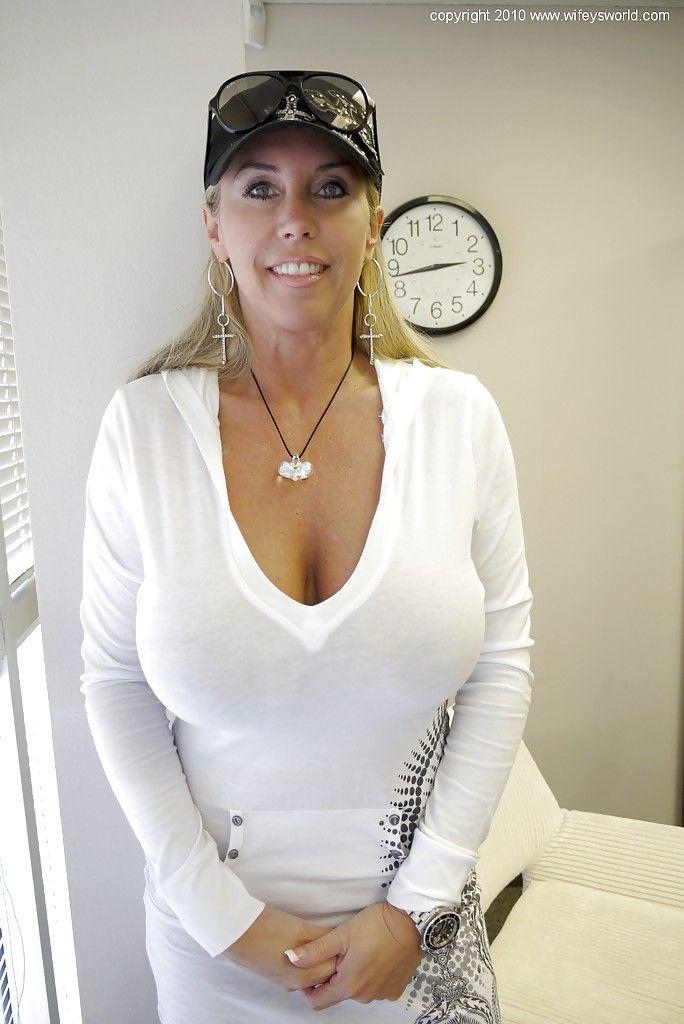 Mistress julie bdsm
