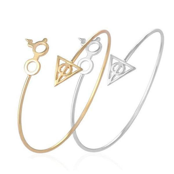 The bangle and ring are designed to look like Harry Potter's infamous round glasses complete with Potter's lightning bolt scar. This set includes 1 bangle and 1 ring. Size : Adjustable Available in go