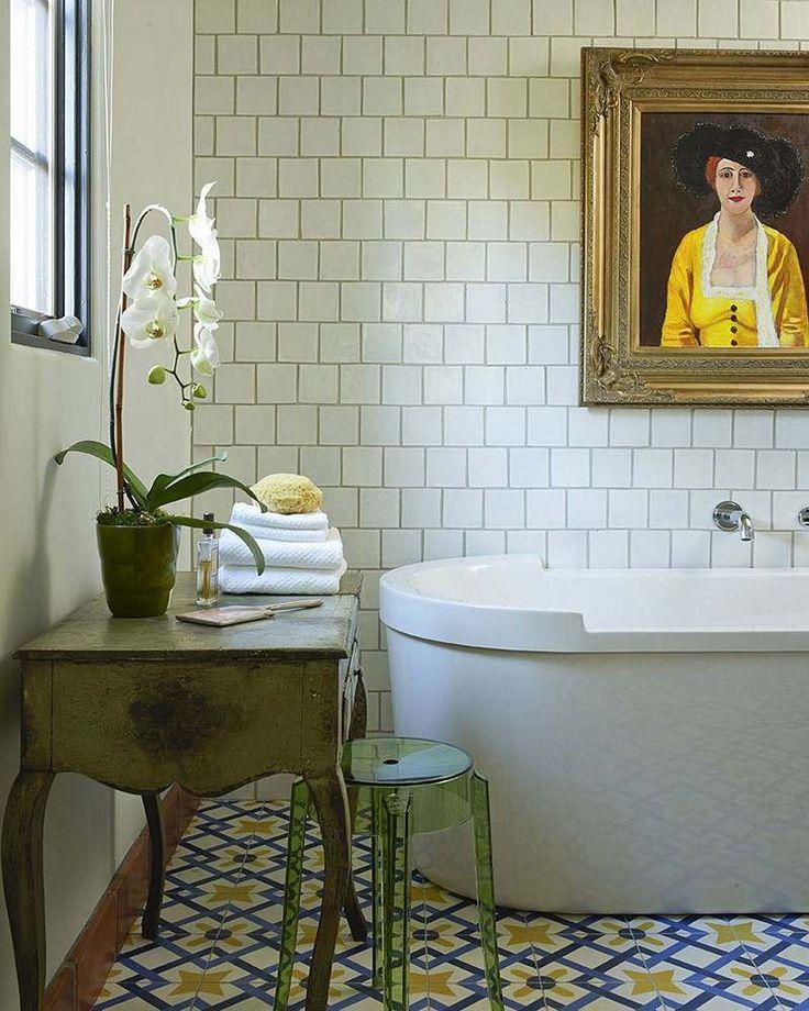 1000 id es sur le th me art mural salle de bains sur for Salle de bain bleu et jaune
