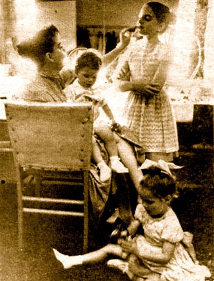 Beautiful photo of Judy with all 3 of her children Liza Minnelli, Lorna Luft & Joey Luft.
