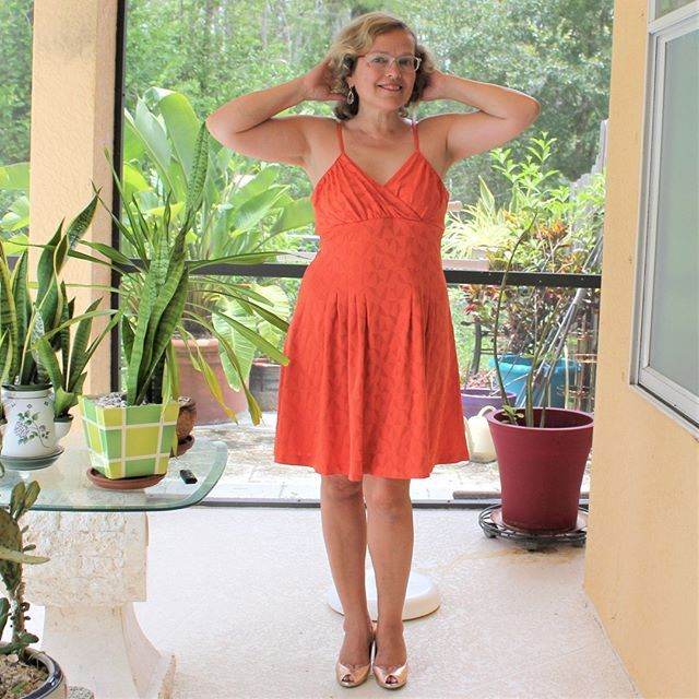 0abdd89b4b38 I am sewing my stash little by little and I would like to inspire you to do  the same. Here is an orange dress. Or is it salmon