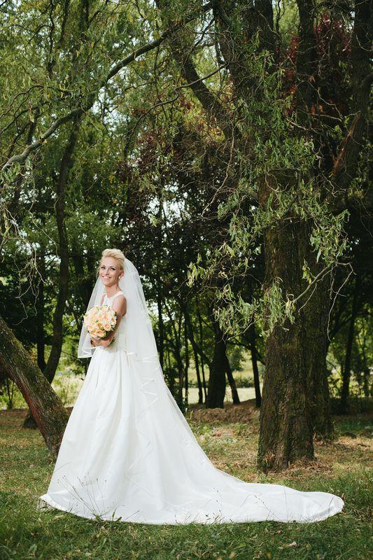 Bride, wedding dress, mireasa, rochie de mireasa