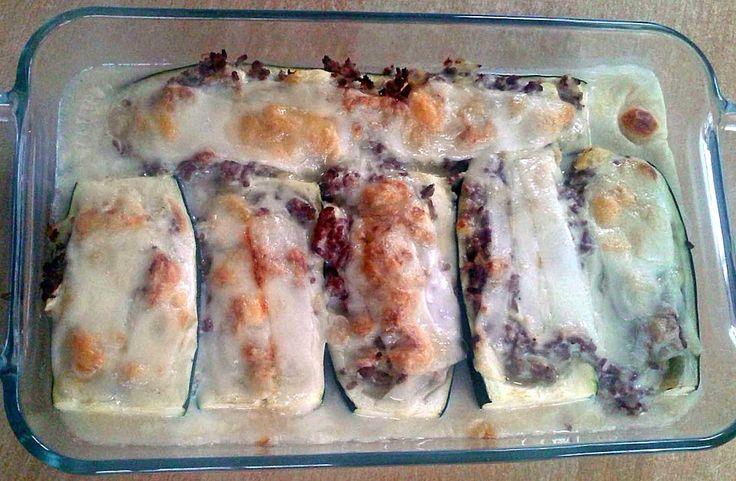 Überbackene Zucchini mit Hackfleisch, ein schmackhaftes Rezept aus der Kategorie Gemüse. Bewertungen: 8. Durchschnitt: Ø 4,0.