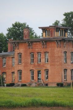 One Of The Most Haunted Places In Ohio Prospect Place S Of Trinway On Oh 77