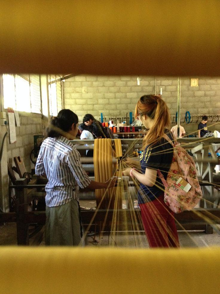 call today to learn about #traditional #srilankan #handloom #culture #asia #srilanka #kandy #kurunegala #colombo #selyn #fairtrade #wftoguarantee