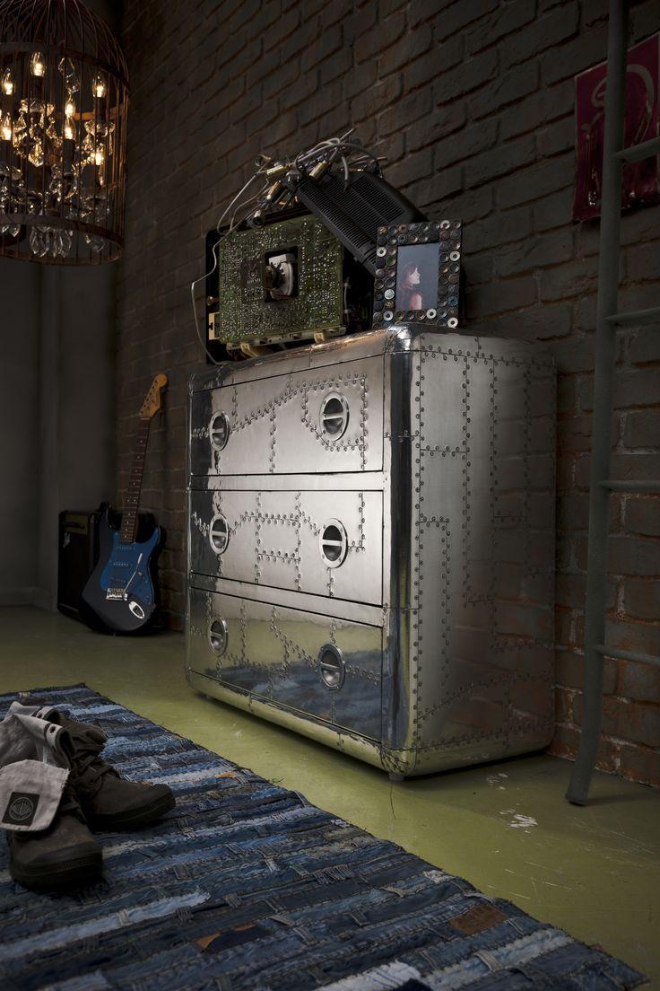 Un toque oscuro nunca está demás...¡Mientras te guste y llame la atención! #Kare #Decoration #Interior #Design