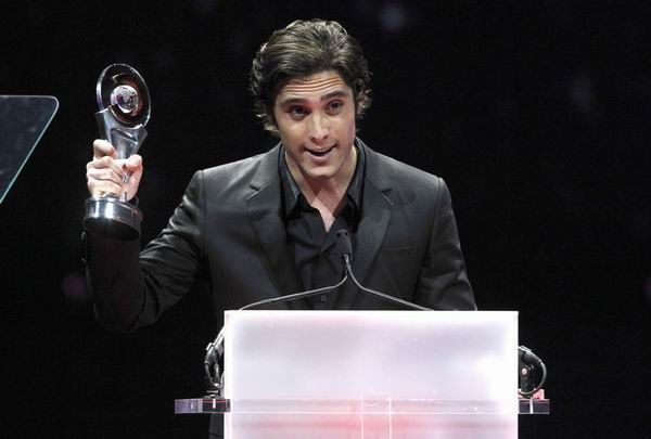 Actor Diego Boneta accepts the award for Rising Star of the Year Award during the CinemaCon Big Screen Achievement Awards show at Caesars Palace in Las Vegas, Nevada April 26, 2012.