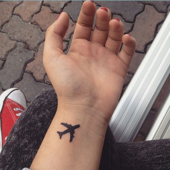 @christinadontsios cute airplane ✈ #tattoos #traveltattoo #airplane #ink