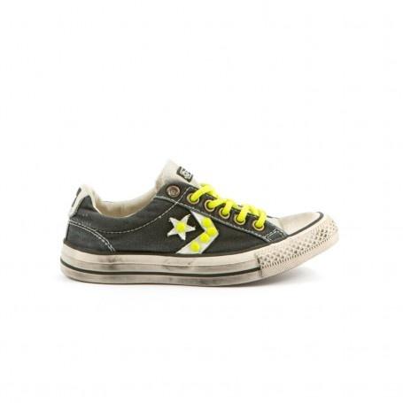 CONVERSE - STAR PLAYER OX NEON,sneakers in tessuto effetto vintage con borchie applicate.